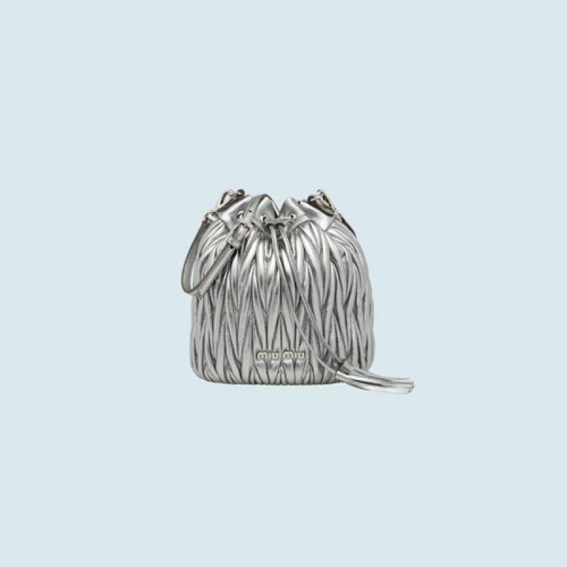 MiuMiu/缪缪原单高仿包包 Matelassé图案抽绳水桶包